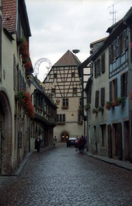 Photogenic villages such as Kaysersburg, Riquewihr, Ribeauville, and Colmar make the Alsace a delightful place to visit.