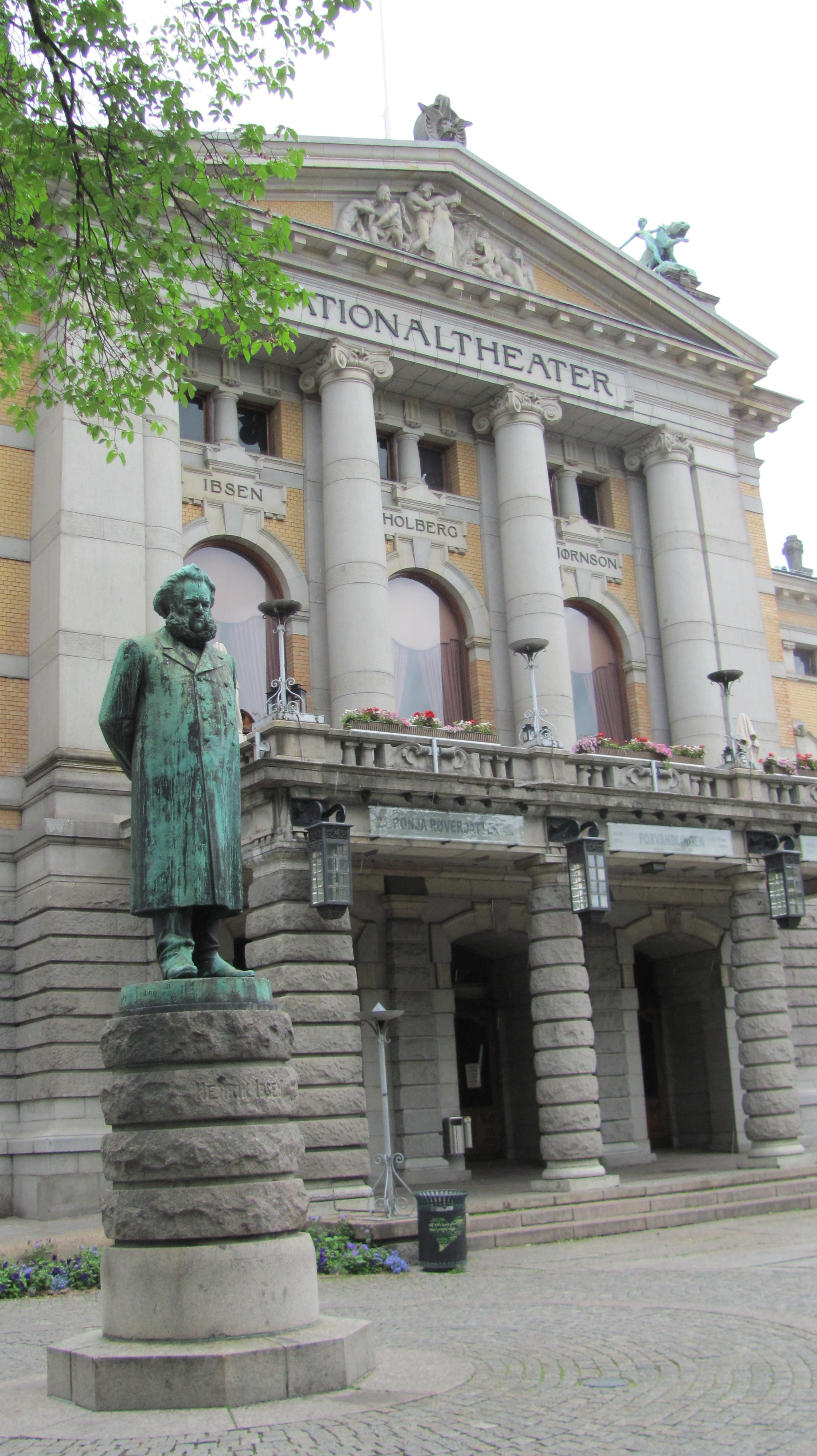 Ibsen Statue & National Theater