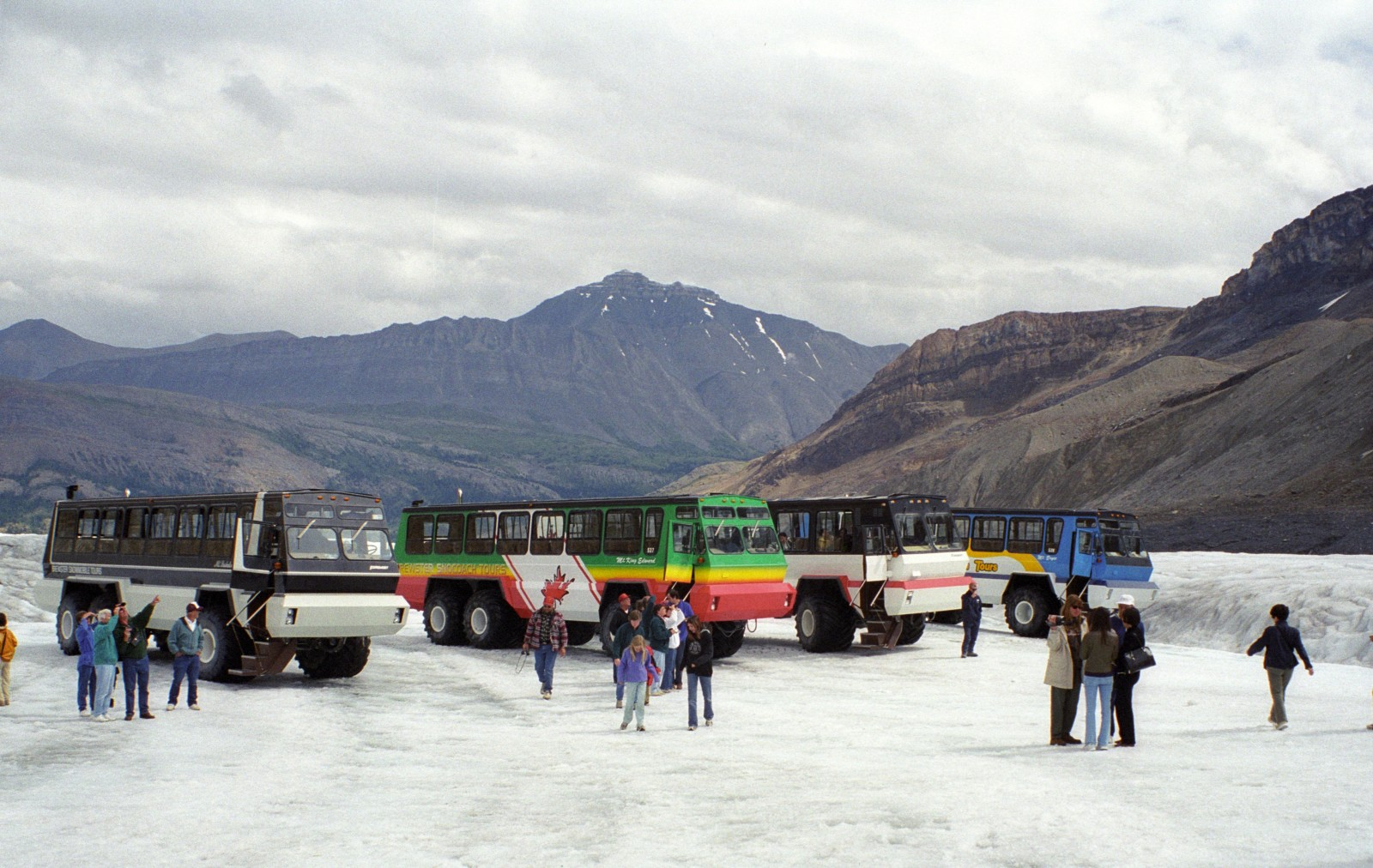Snocoaches
