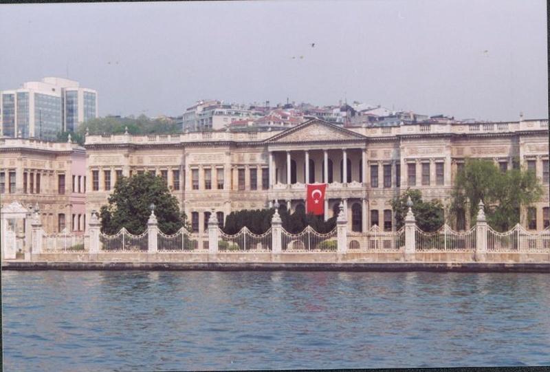 Dolmbahce Palace
